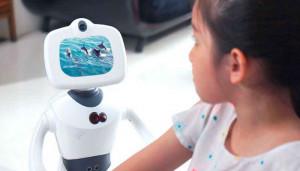 Робот Robelf – умный дворецкий, телохранитель и няня в одном лице