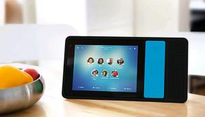 Домашний смартфон Ily объединяет поколения