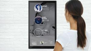 L.U.C.Y. – домашний ассистент с сенсорным экраном и функцией распознавания лиц