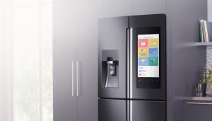 Умный холодильник Samsung принимает голосовые заказы на покупку продуктов